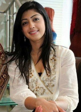 Arjane Cha Seorang Gadis Keturunan India Di Jakarta Provinsi DKI (Daerah Khusus Ibukota) Sedang Mencari Jodoh Pasangan Pria Mapan Untuk Jadi Calon Suami