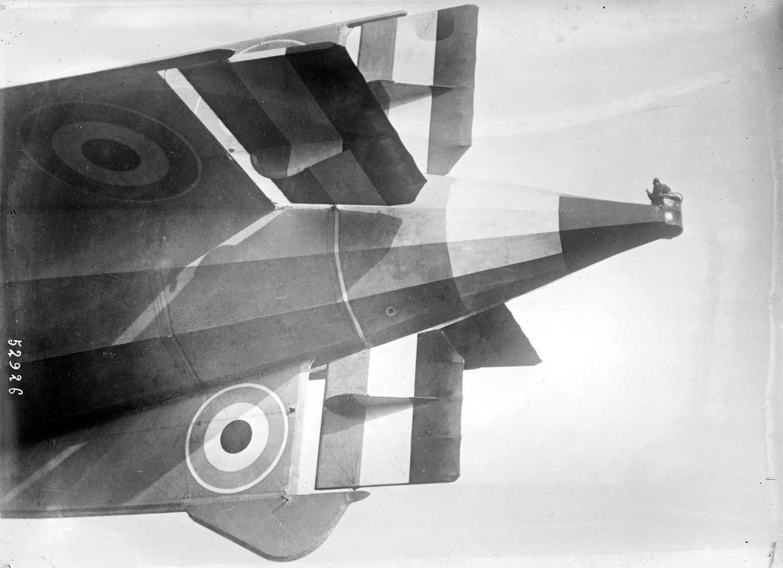 An observer in the tail tip of the English airship R33 on March 6, 1919 in Selby, England.