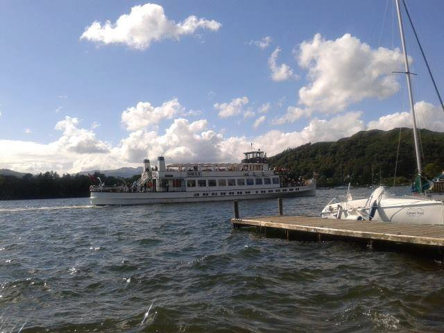 Boat trips on lake windermere