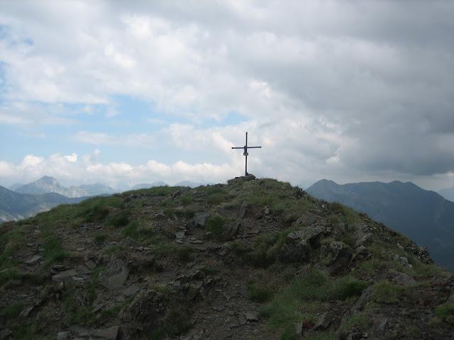 Rutas Montaña Asturias: Llegando a la cima del pico Huevo