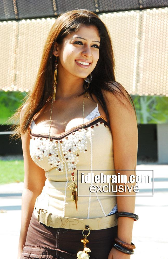 Nayanthara Boobs Deep Cleavage Show Full Boobs-6489