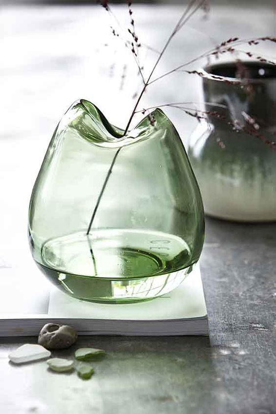 How to use glass vases to home decor?