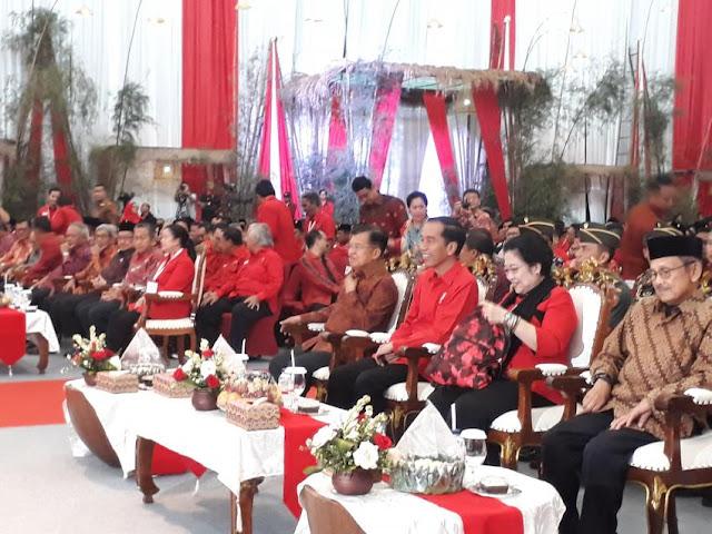 Ditemani Mega, Jokowi-JK dan Habibie Hadiri Rakornas PDIP