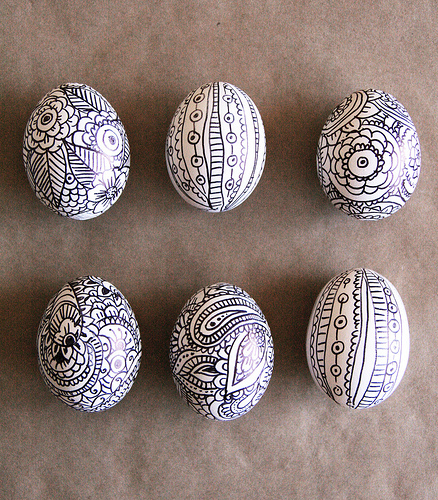 http://alisaburke.blogspot.in/2011/04/doodle-easter-eggs.html