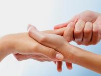 Inilah 4 Bahaya Bunyikan Persendian Jari Dan Tulang Leher