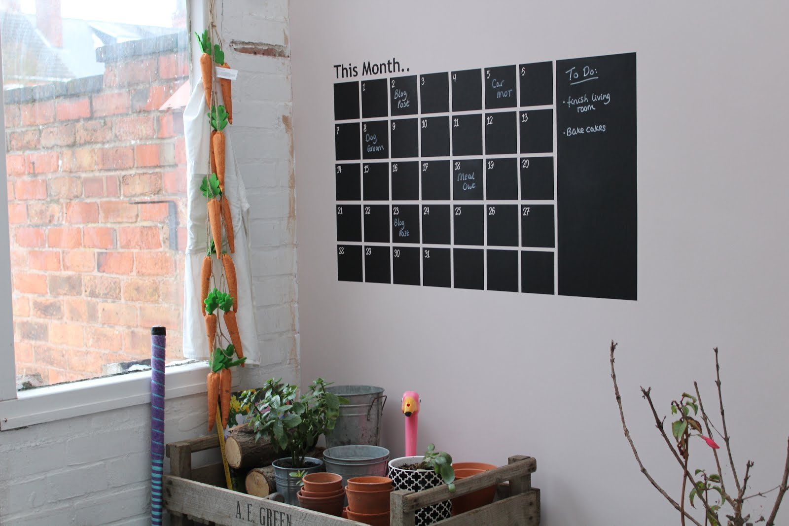 Wallboss calendar wall sticker