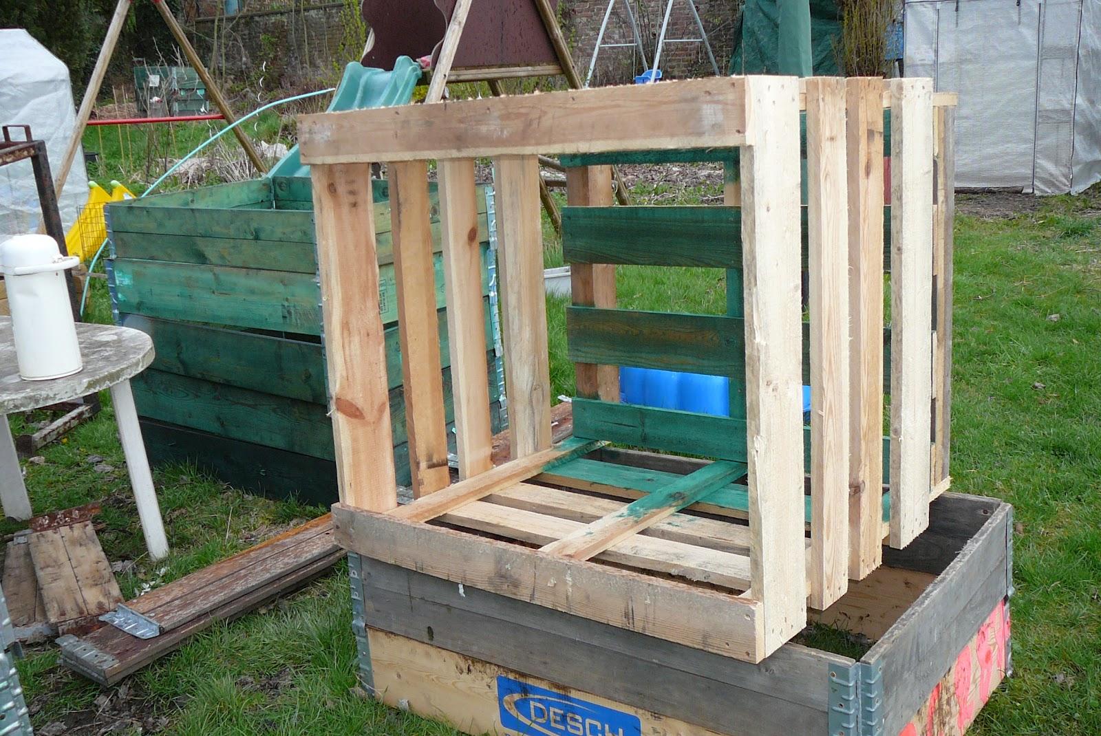 les jardins du laveu un petit jardin de terrasse ou cour. Black Bedroom Furniture Sets. Home Design Ideas