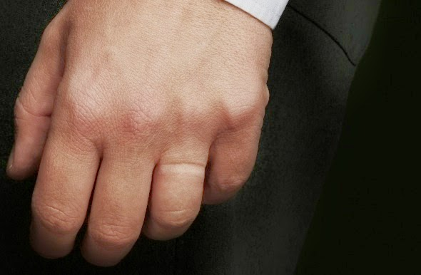 The Blow Off Men Who Dont Wear Wedding Rings and why theyre shady
