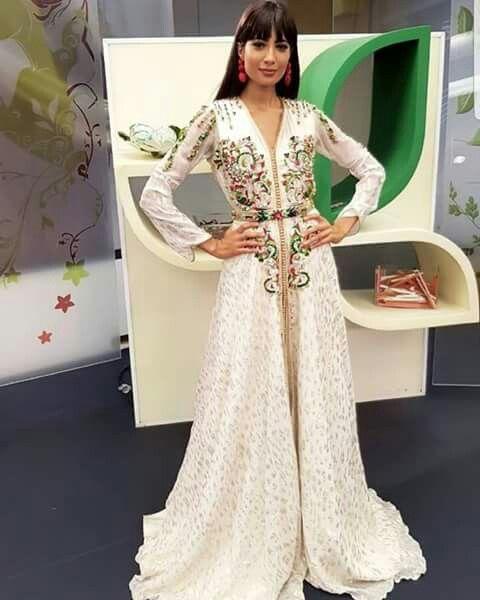 Notre boutique   www.caftan-fatimazahra.com met à votre disposition un  vaste gamme de magnifiques robes orientales   takchita de mariage  6bc470b49e1