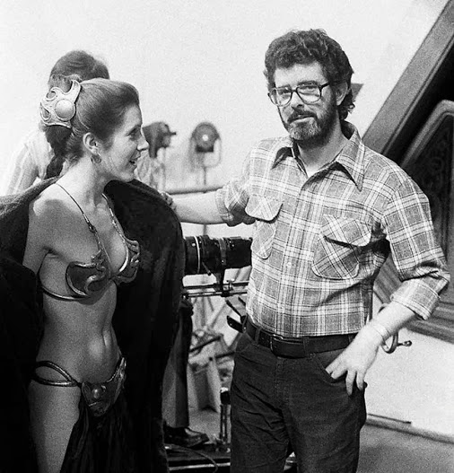 lucas smirking because of leia's bikini flash