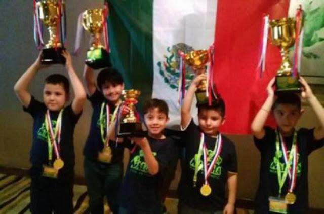 Ellos son los niños campeones mexicanos que barrieron en Mundial de Cálculo en Malasia.