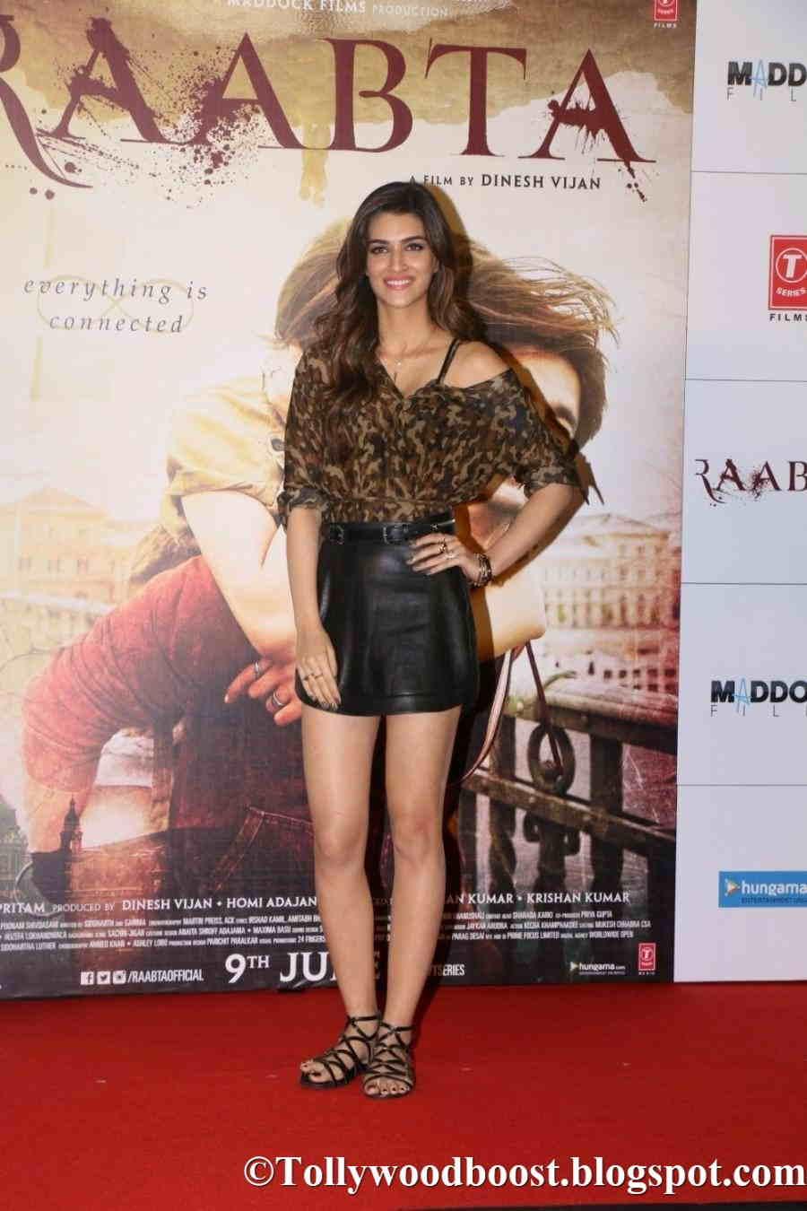 Kriti Sanon Long Legs Thighs Show In Black Mini Dress