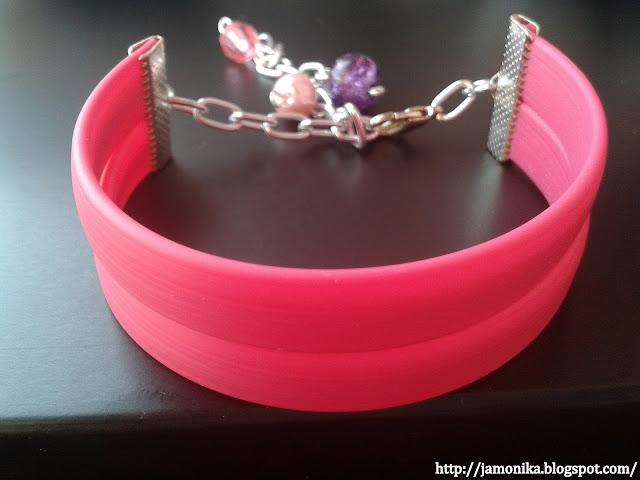 Różowa bransoletka z silikonu