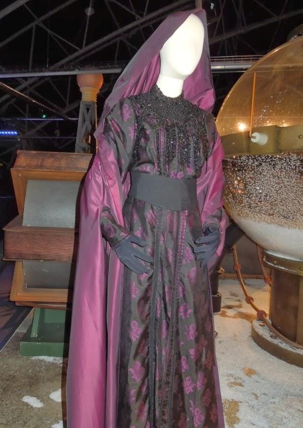Holmes Female Costume Sherlock