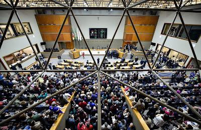 Municipários lotaram as galerias - Foto de Edson Sempé Pedroso/CMPA