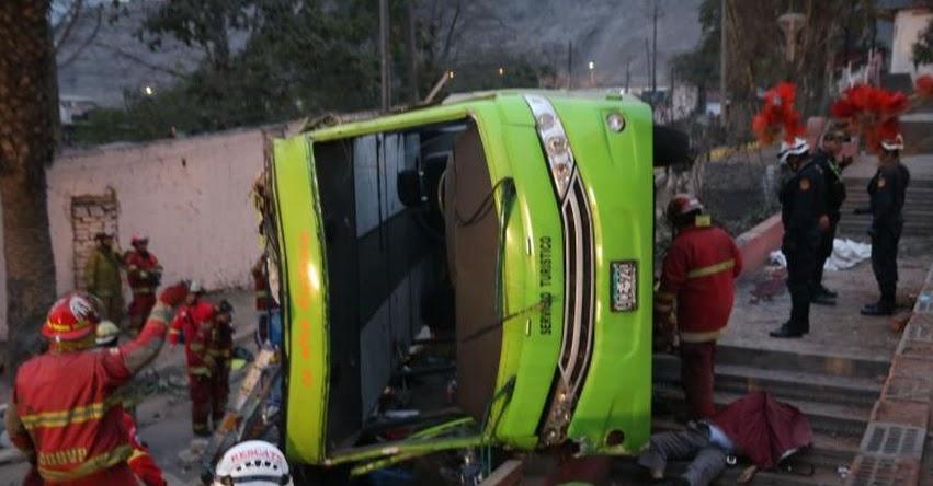 TRAGEDIA: Bus turístico cae del Cerro San Cristóbal y deja más de 40 heridos - Rímac - Lima [FOTOS - VIDEO]