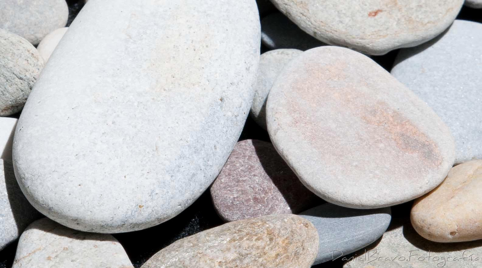 Primer plano de unas piedras con sensibilidad iso 100