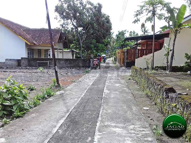 Rumah dekat Kampus PPPPG jalan Besi