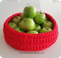 https://carinascrafts.wordpress.com/2016/07/03/a-is-for-apple-b-is-for-bowl/spaghetti-yarn-fruit-bowl/#main