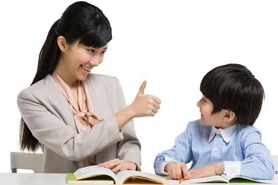 4 Cara Orangtua Menunjukkan Rasa Bangga pada Anak