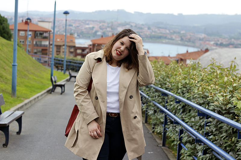 Collage of style by Almudena Duran - Comfy outfit con gabardina I