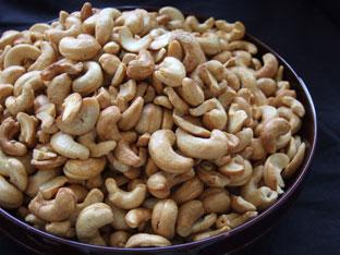 Ngemil Sehat dengan Makan Kacang