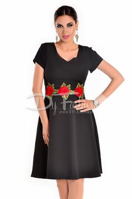 Rochie neagra cu fusta in clos pentru birou de vara