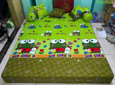 Sofa bed inoac motif keroppy lama SAAT DIFUNGSIKAN SEBAGAI KASUR INOAC NORMAL
