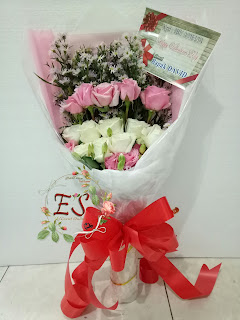 harga hadiah buket bunga wisuda