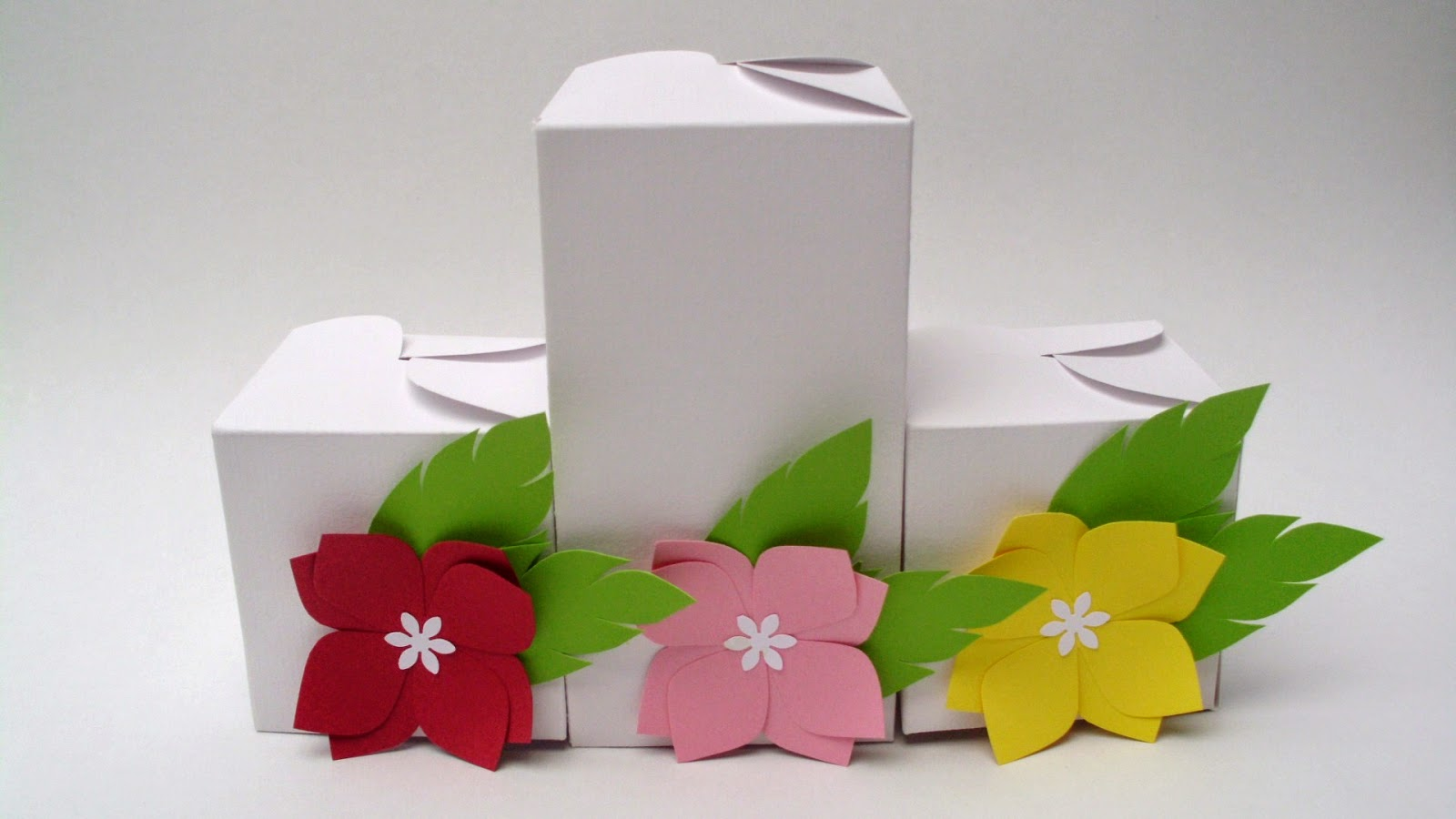 Square card boxes with paper flowers
