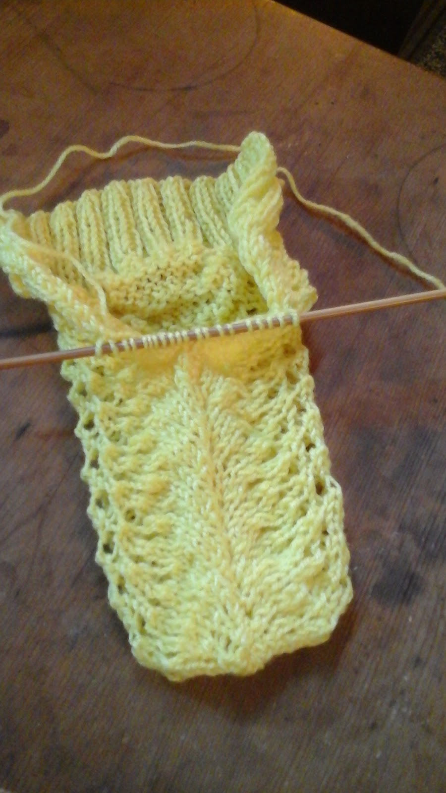 Picking Up Stitches In Knitting Mitten Thumb : Free Pattern: Flutter-Your-Fan Two-Needle Mittens