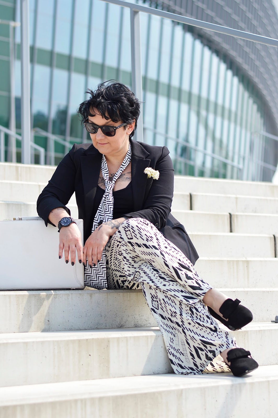 Black and white style, spring stylization, spring 2018, spring trends