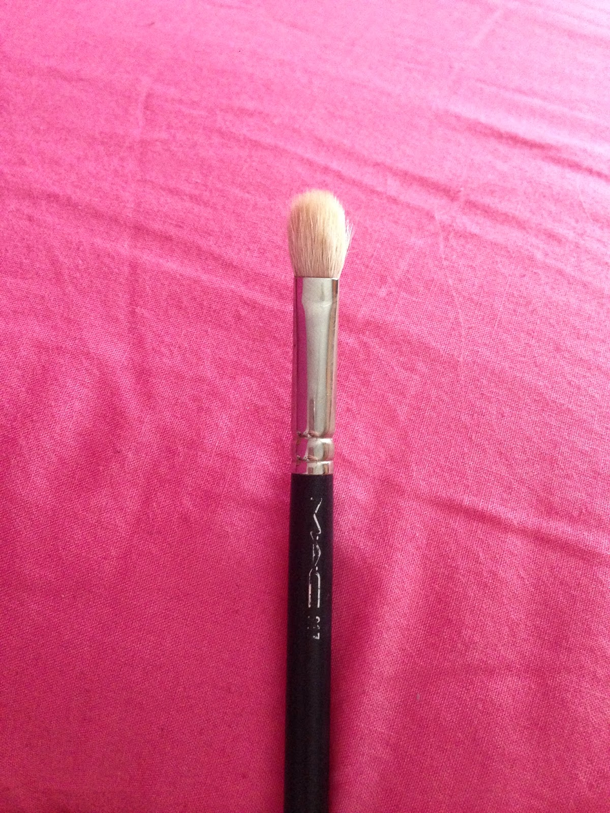 Lashes, Lipstick and Lifestyle : MAC 217 brush and Crown brush dupe