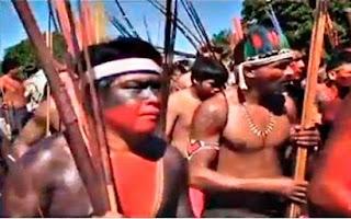 ATO EM MARABÁ - ÍNDIOS PROTESTAM PEDINDO SOLTURA DE CACIQUE