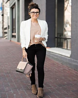 outfit para el trabajo con pantalón negro