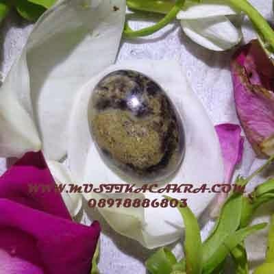 Mustika bertuah, Benda sekti, Batu Berkhasiat, pusaka, azimat Mustika Ular Hitam