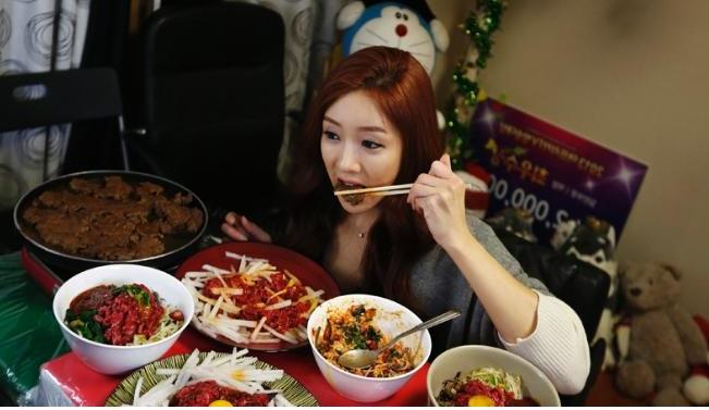 Gimana caranya sich menghilangkan nafsu makan yang berlebihan?