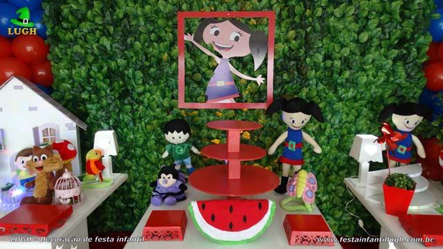 Mesa decorada tema Show da Luna para festa de aniversário infantil