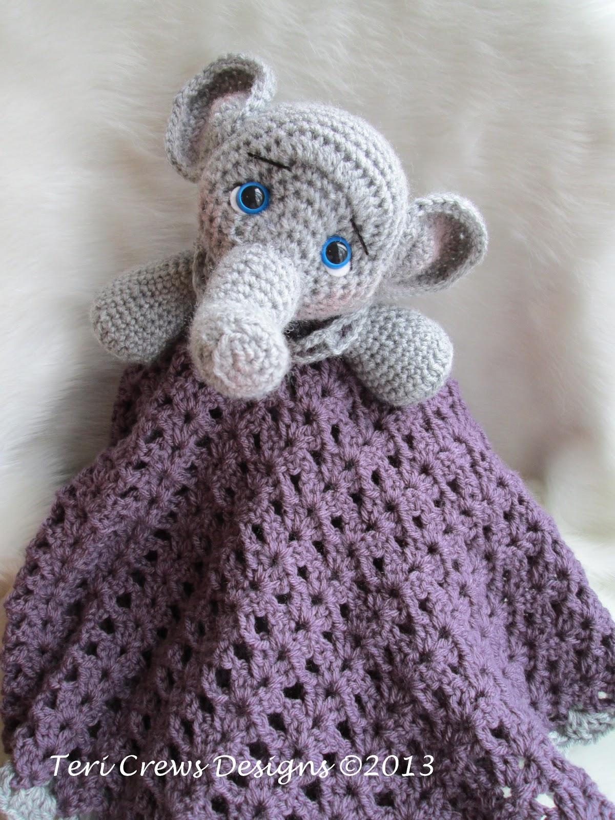 teri 39 s blog new elephant huggy baby blanket pattern. Black Bedroom Furniture Sets. Home Design Ideas