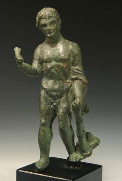 Οι ΗΠΑ επιστρέφουν κλεμμένα αρχαιολογικά ευρήματα του Ελληνικού πολιτισμού στην Ιταλία.