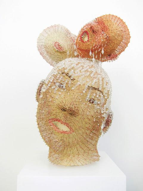 art textile contemporain, sculpture textile, portraits en fil, sculptures, aiguilles, fils