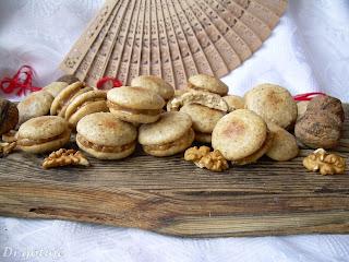 Ciasteczka orzechowe przekładane (z masą orzechową)