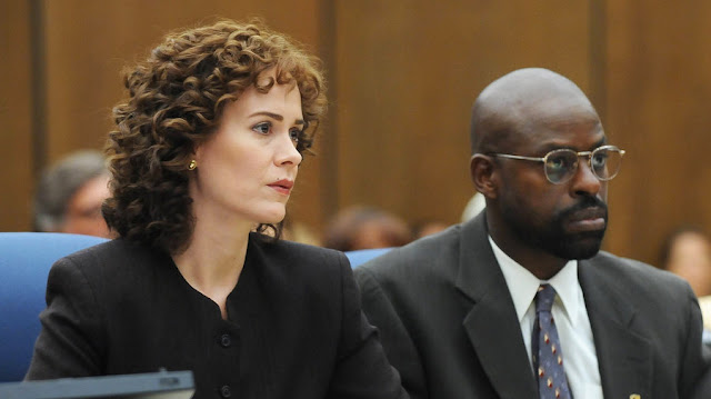 "Sarah Paulson and Sterling K. Brown in ""The People v. O.J. Simpson"""