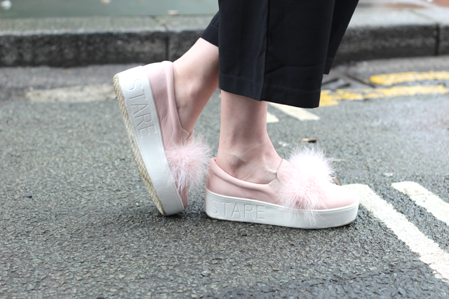 how to style fur shoes trend