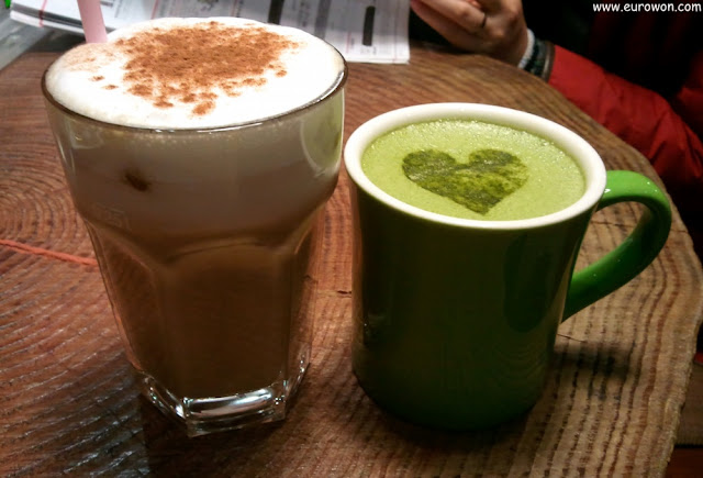 Café mocha y green tea latte