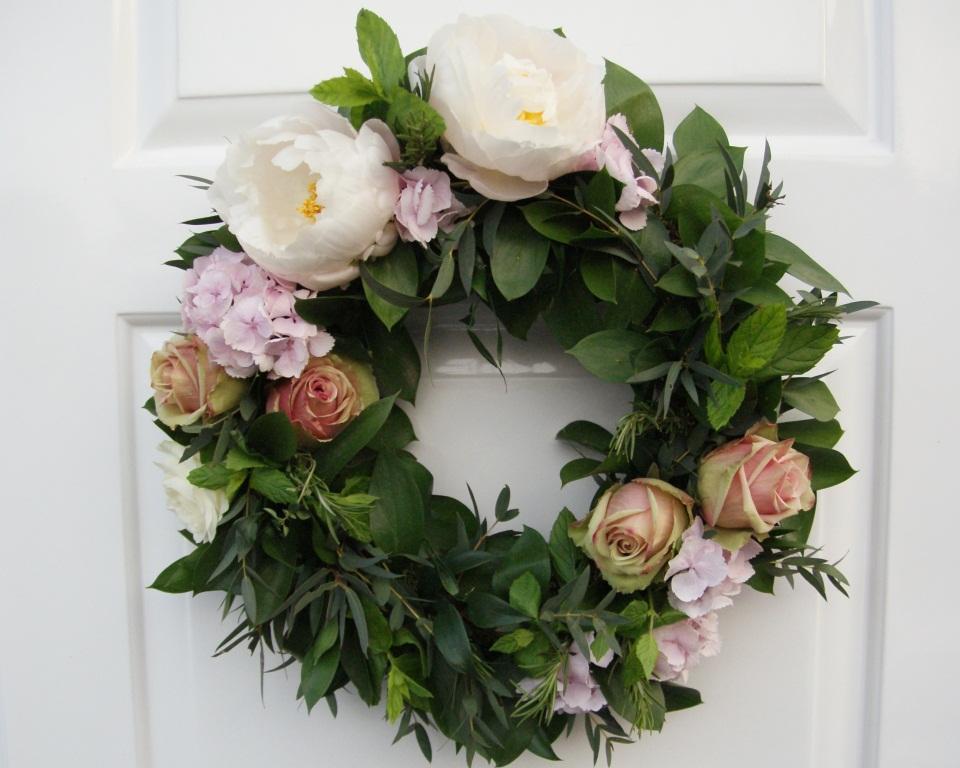 Flowers By Vicki: Wedding Wreath