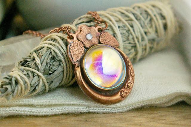 https://www.etsy.com/ca/listing/672321372/moon-flower-pendant-aurora-ab-vintage