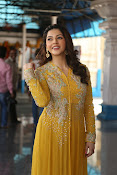 mehreen kaur latest glam pics-thumbnail-14