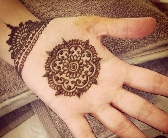 Latest Simple Mehandi Designs 2016