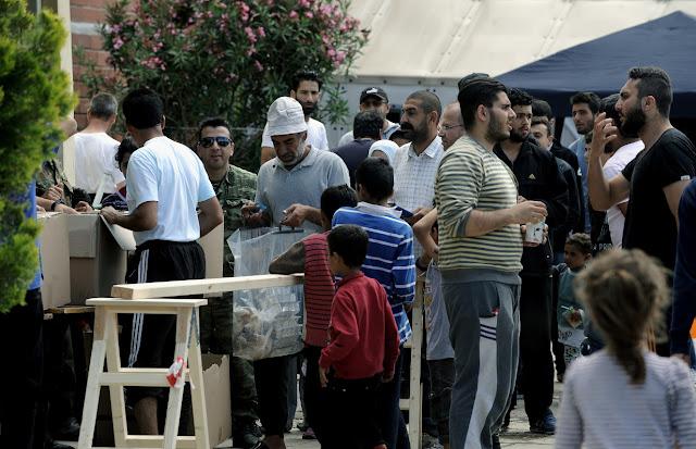 """Νέα """"ύποπτη"""" ΜΚΟ στην Ελλάδα για το προσφυγικό"""